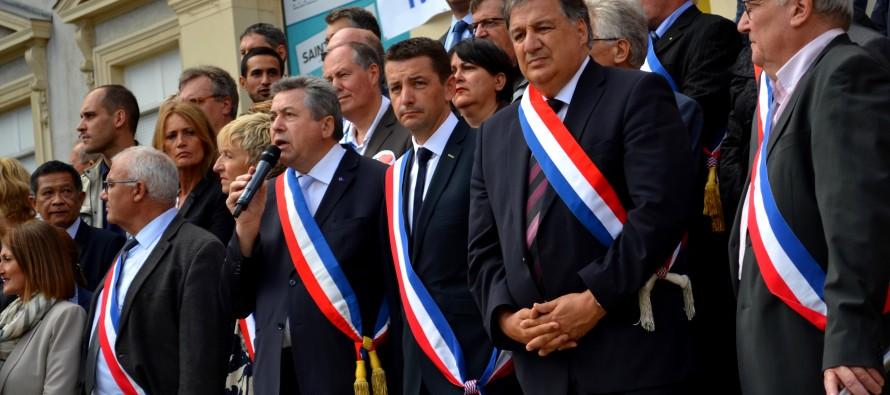 Baisse des dotations de l'État : une soixantaine d'élus se rassemblent à Saint-Etienne