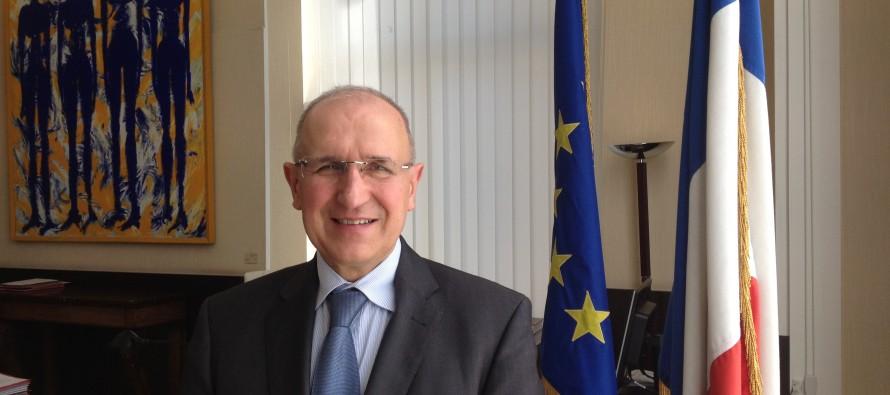 Réfugiés : Le préfet de la Loire désavoue Yves Nicolin