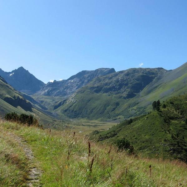 Le tourisme cr ateur d emplois en auvergne rh ne alpes e commune passion - Office du tourisme rhone alpes ...