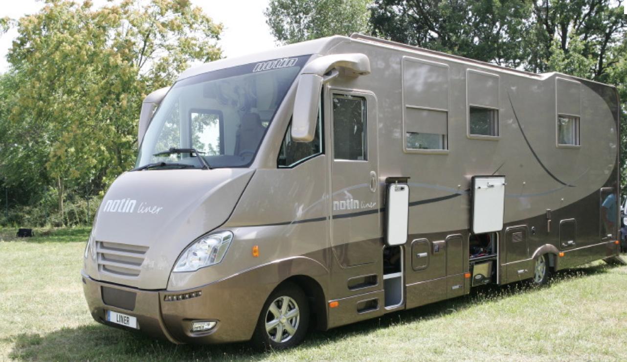 notin 95 ans la rolls du camping car met 5 millions dans sa nouvelle usine e commune passion. Black Bedroom Furniture Sets. Home Design Ideas