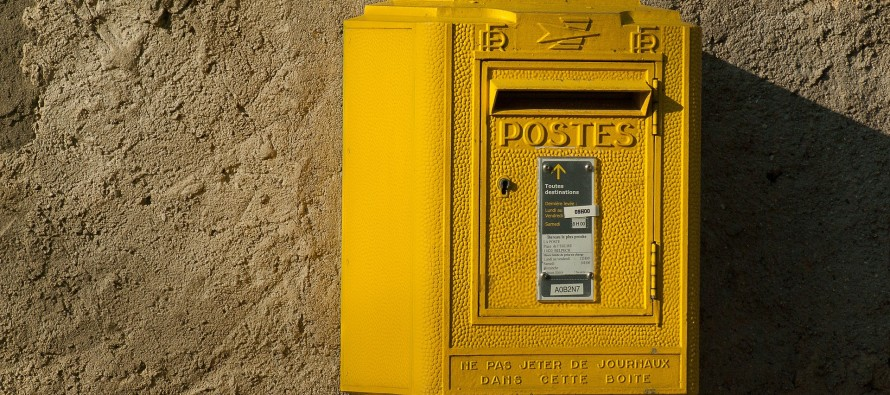 La poste : Non mais, on y tient !