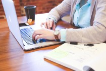 Jusqu'à 8000€ d'aides financières pour recruter un assistant commercial Web