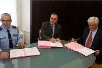 Signature à trois : Préfecture, Gendarmerie, et amis de la gendarmerie