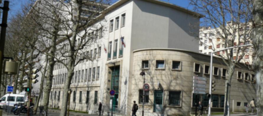 La PSQ arrive à Saint-Etienne.