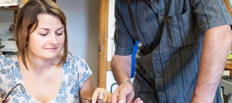Luc et Célia Taillandier CRÉATEURS DE BIJOUX UNIQUES DE PÈRE EN FILLE