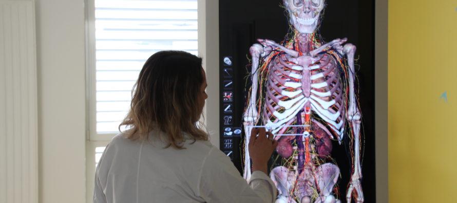 Université Jean Monnet : première université en France à se doter d'une table d'anatomie 3D en BU Santé