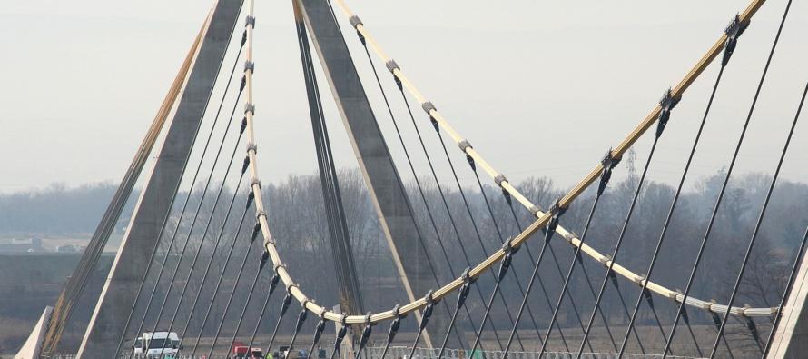 Pont sur la Loire.