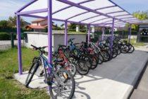 Pour aller à l'école à Bonson : prends ton vélo !