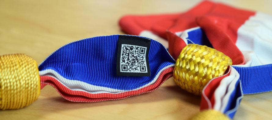 La 1ière écharpe tricolore made in Loire, écologique & numérique